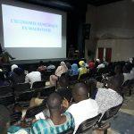 Le public de dos table ronde économie numérique à l'IFM – Crédit Photo: Amadou SY – LeReflet.NET